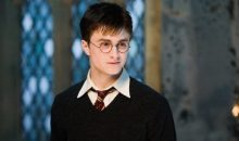 Daniel Radcliffe explains why he won't go see the Harry Potter play!!