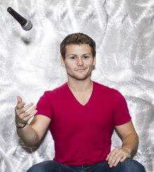 Hellter interviews Drew Lynch (Secret Santa, America's Got Talent)!!